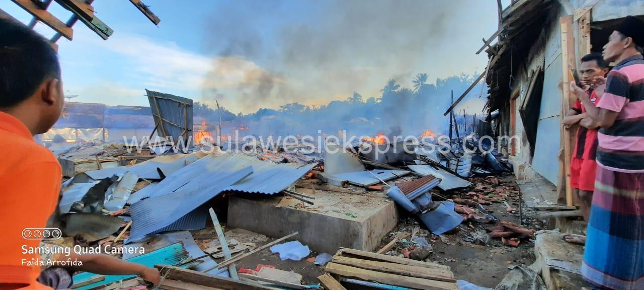 Kebakaran Hanguskan Pasar Candi Dungkek Sumenep, Madura